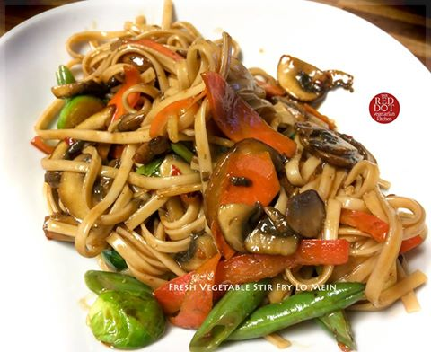 Fresh Vegetable Stir Fry Lo Mein